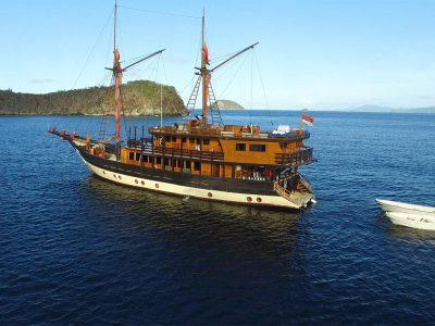 Asiaqua - La Galigo Saint Valentine's Cruise