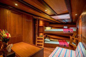 Oceanic-bunk-bed-cabin-Asiaqua-liveaboard