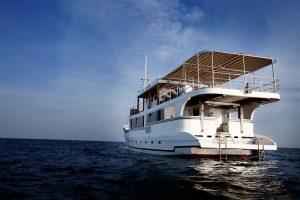 Oceanic-deck-Asiaqua-liveaboard