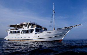 SMY Oceanic Liveaboard Mer de Banda Asiaqua